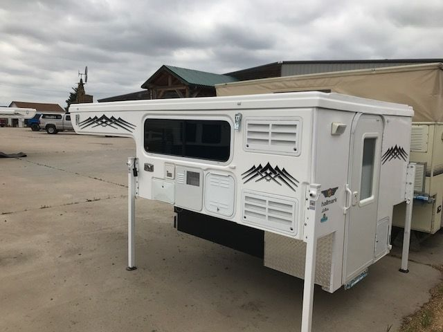Camper trailer roof lift systems / Watch sleeping beauty